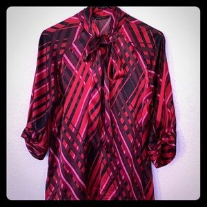 Women's New York & Co Patterned Blouse.